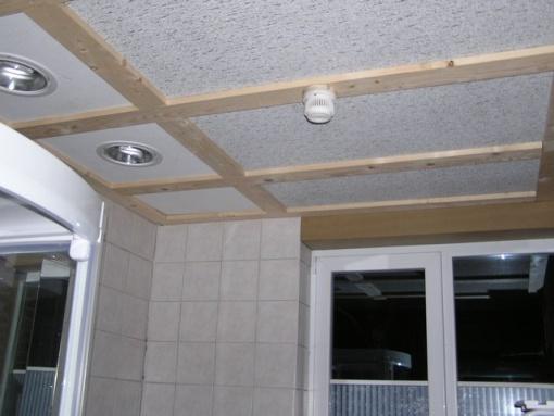 Badkamer In Slaapkamer Maken : badkamer een verlaagd plafond om de ...